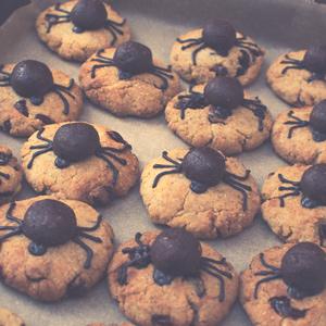 bez glutenowe ciasta pająki Halloween