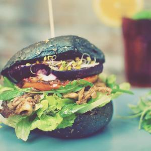 czarny burger weganski wrocław