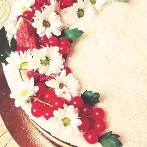 weganskie torty na zamówienie wrocław jadalne kwiaty owoce
